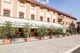 Hunor Hotel és Étterem belföldi